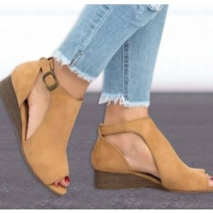Fish mouth slope and leather buckle lady sandals