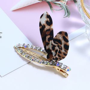 Small adult leopard clip