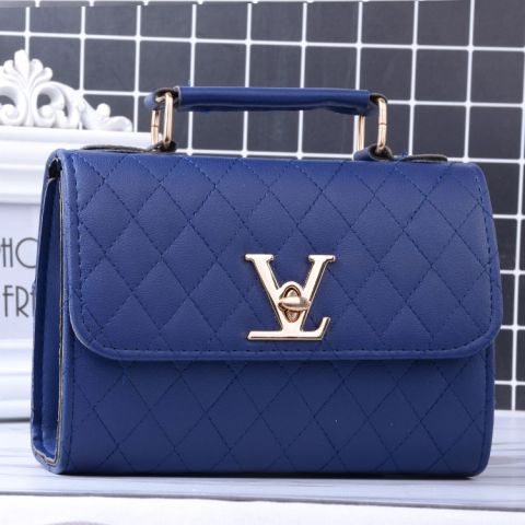V lock Single-shoulder bag
